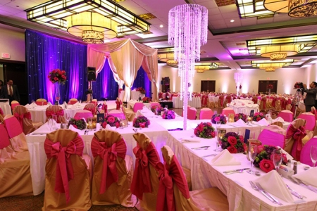 670-embassy-suites-chicago-ohare-rosemont-elaborate-purple-wedding-decor